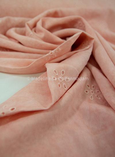 La Maison Victor zacht roze viscose - batik - broderie