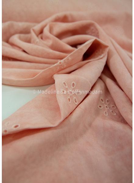 La Maison Victor soft pink viscose - batik - embroidery