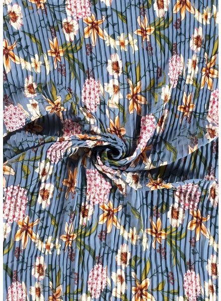 M blue - beautiful plissé fabric with flowers