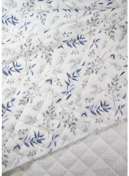M nature leaves blue  - gewatteerde en doorstikte tetra double gauze