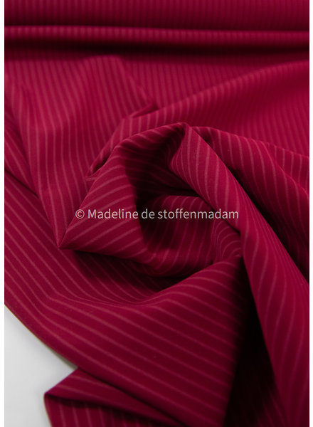 M red with subtle stripe - Italian lycra