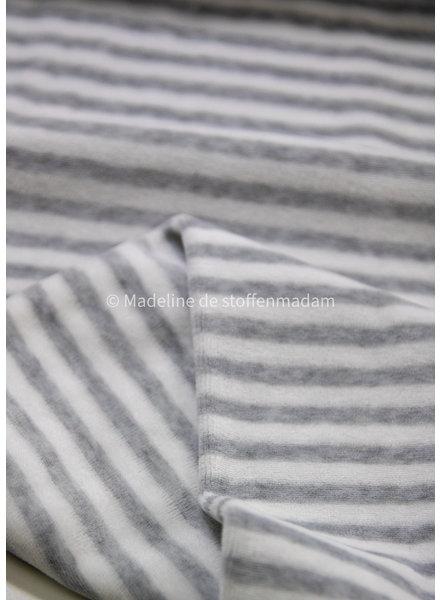 M light grey gestreept - nicky velours