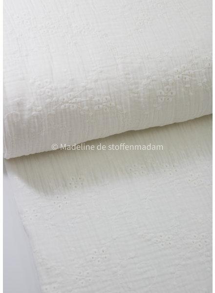 M cream- soft embroidery cotton
