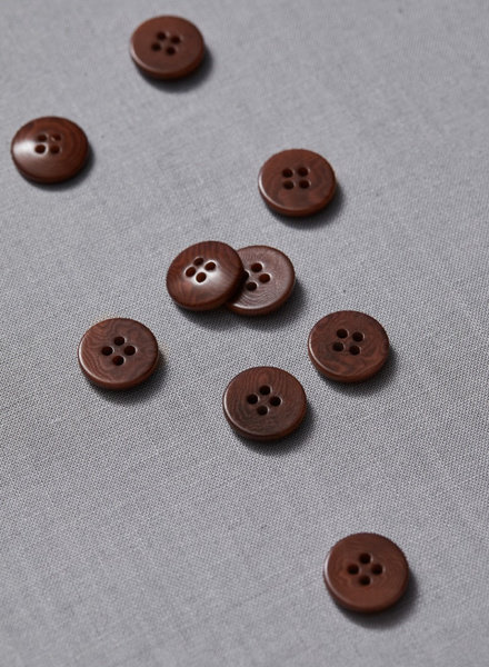 Meet Milk pecan - plain corozo button - 15 mm