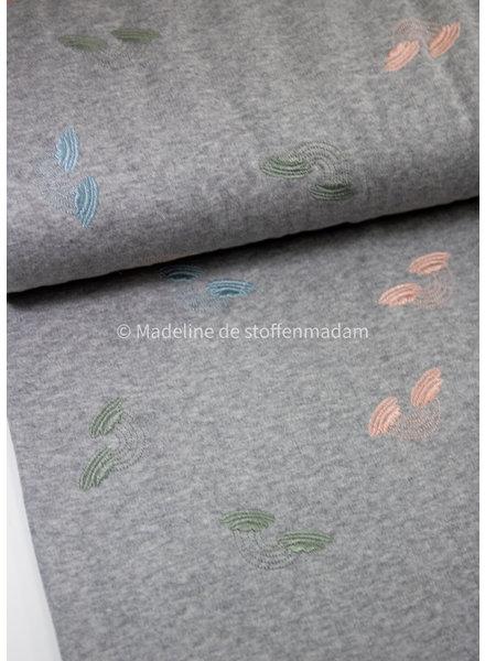 M geborduurde regenbogen pastel - sweater