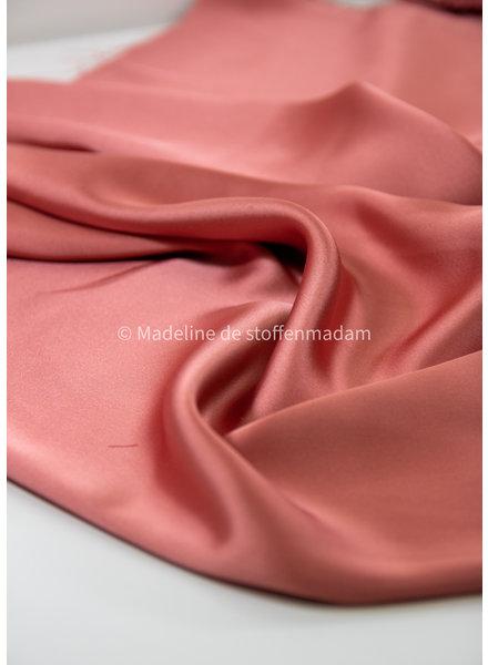 M Italian satin - dusty pink - slight stretch