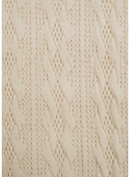 M cloudy white - light knitted fabric with cable texture