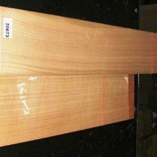 European cherry, guitar bottoms and sides 530x230x4/850x130x4 mm, A/B-Qualität, 1,7 kg, 2008, air dried