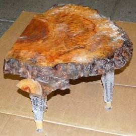 Camphor burl table, slab approx. 740 x 570 x 60 mm, height 60 cm, 11410
