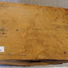 Oak burl, approx. 335 x 225 x 170/70 mm, 8,5 kg