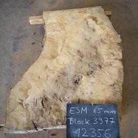 Esche Maser, Tischplatte, ca. 1350 x 1100/750/860 x 65 mm, 12356