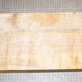 Spitzahorn geriegelt, ca. 380 x 205 x 49 mm, 2,3 kg