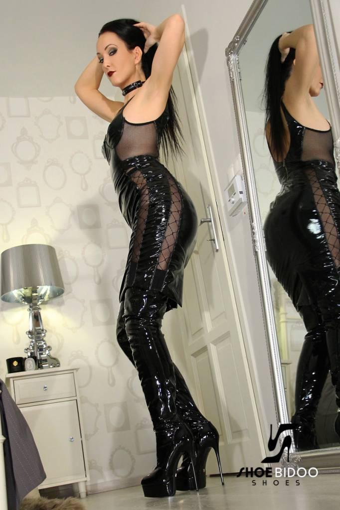 Giaro Fetish Liza in Giaro Thigh boots