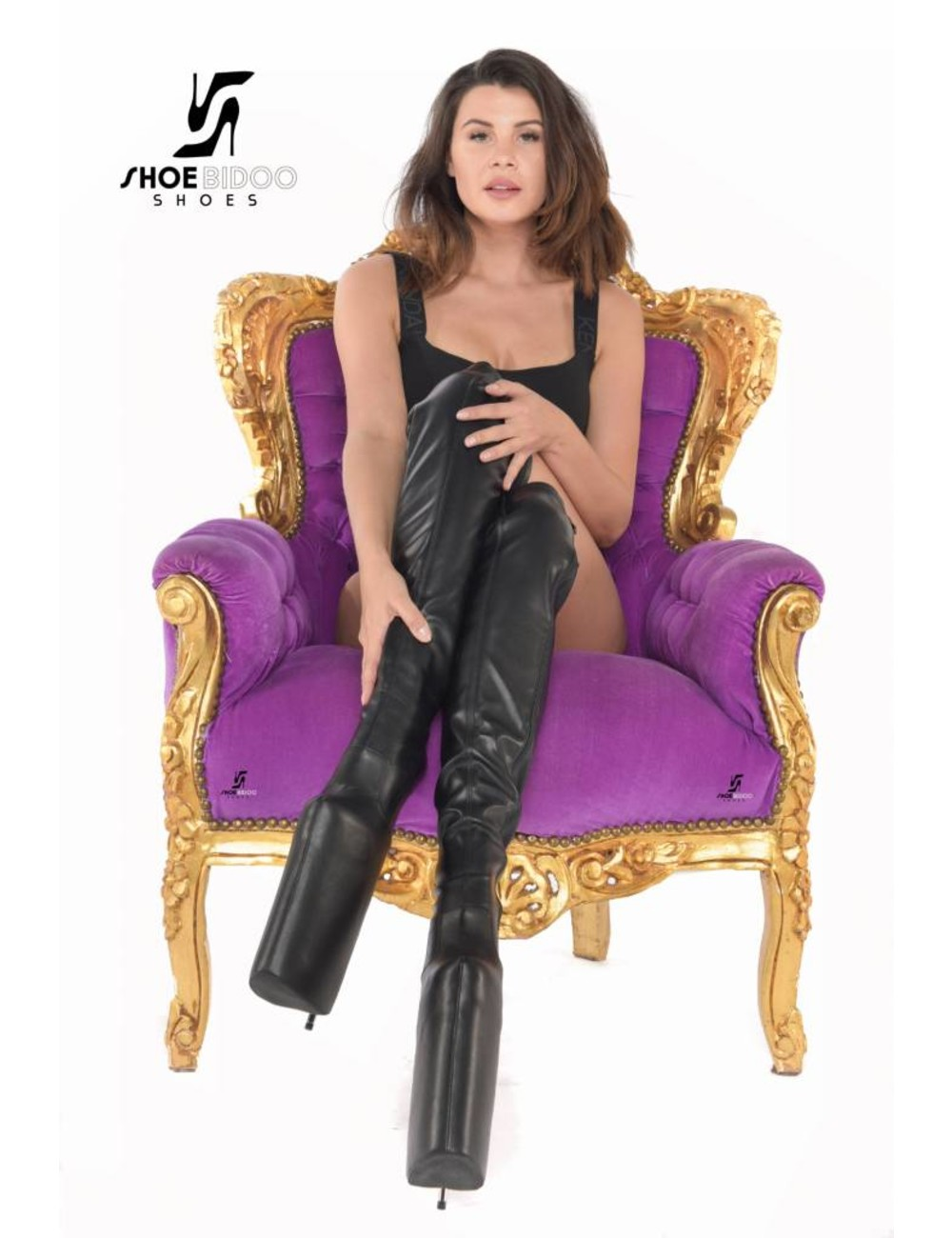 Giaro Olga wears extreme high heels