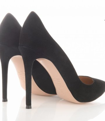 Sanctum Italian suede pumps with thin heels-OUTLET
