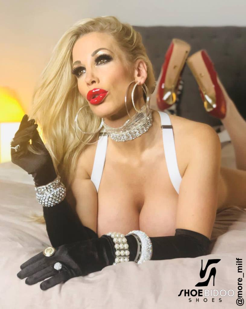 Giaro Rebecca More in our red fetish Giaro BABY heels