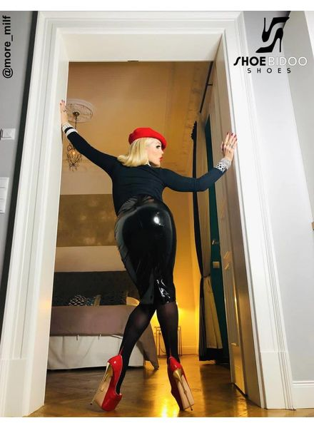 Giaro Rebecca More in Berlin in our red fetish heels