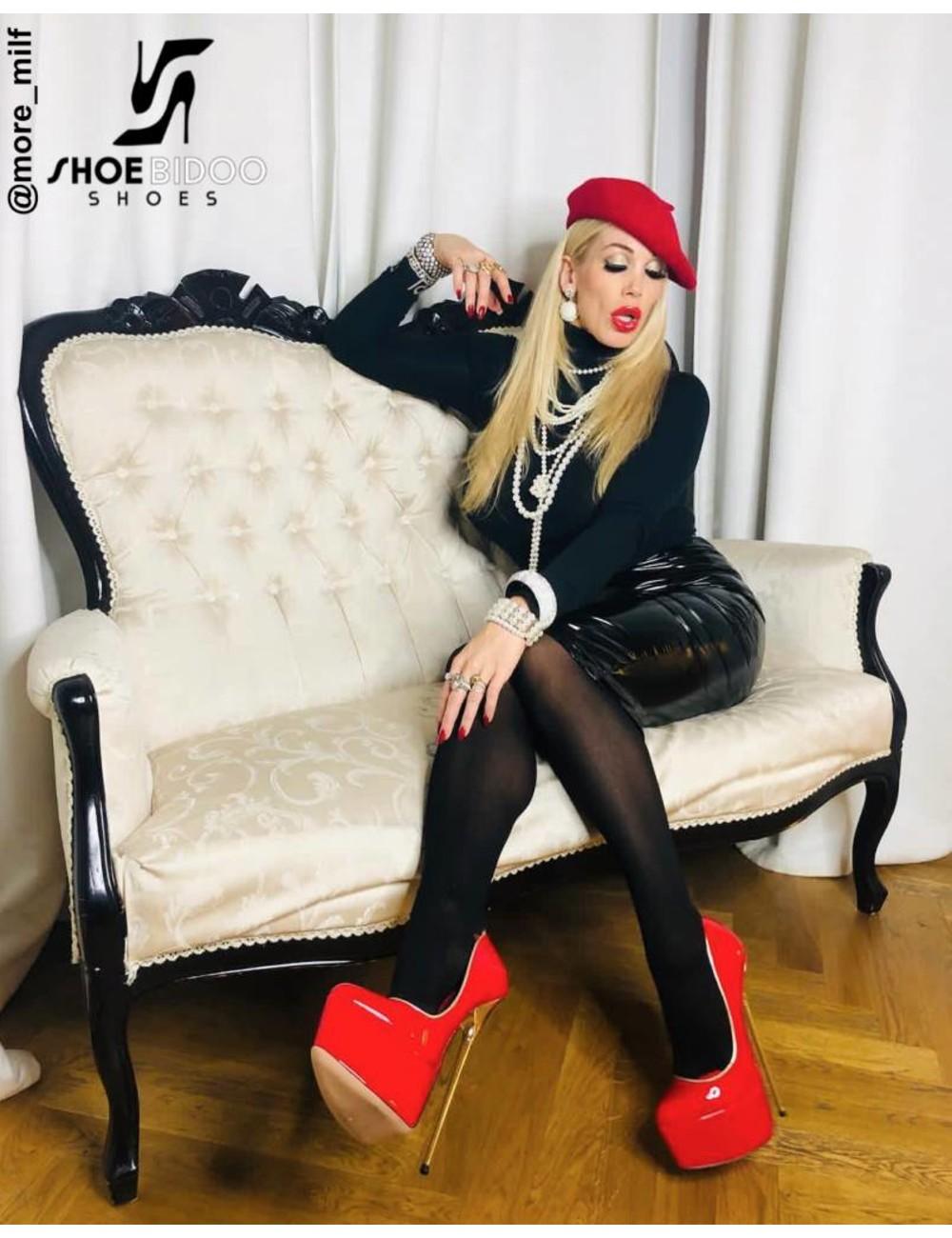 Giaro Rebecca More in unserem roten Fetisch Giaro BABY Heels - Copy