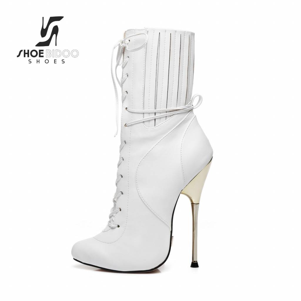 497e2ad68acb Giaro White ankle boots with ultra high silver metal heels and lacing .