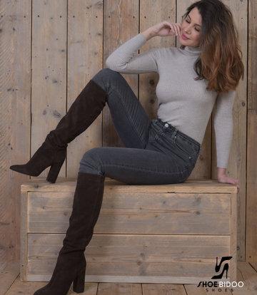 Sanctum Shoes Lange Kniestiefel mit hohem Absatz aus Wildleder ohne Reißverschluss-OUTLET