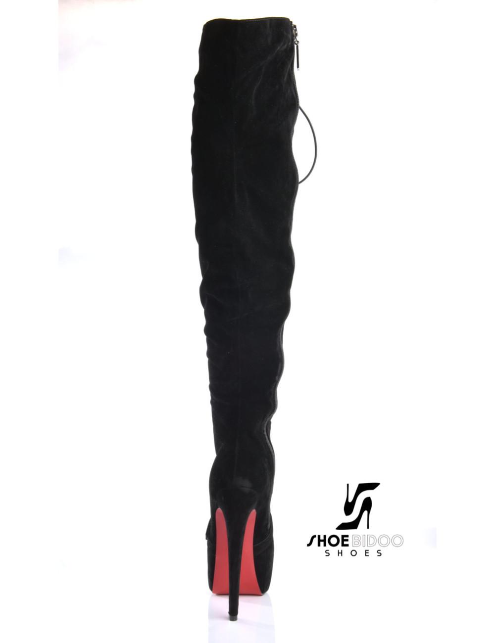 CoCo Schwarze Schnürstiefel mit Gürtel