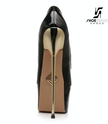 SLICK Zwarte lak platform pumps met ultra hoge goud metalen hakken