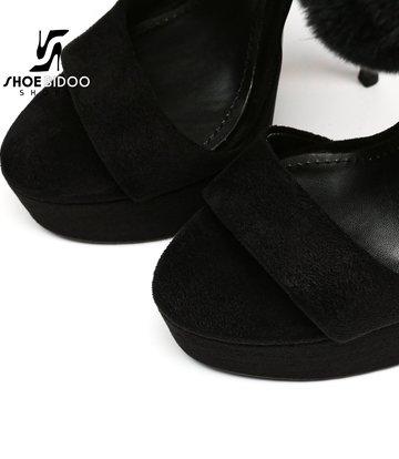 Giaro Zwarte Giaro SWEET LOVE-sandalen met enkelriem van bont - outlet