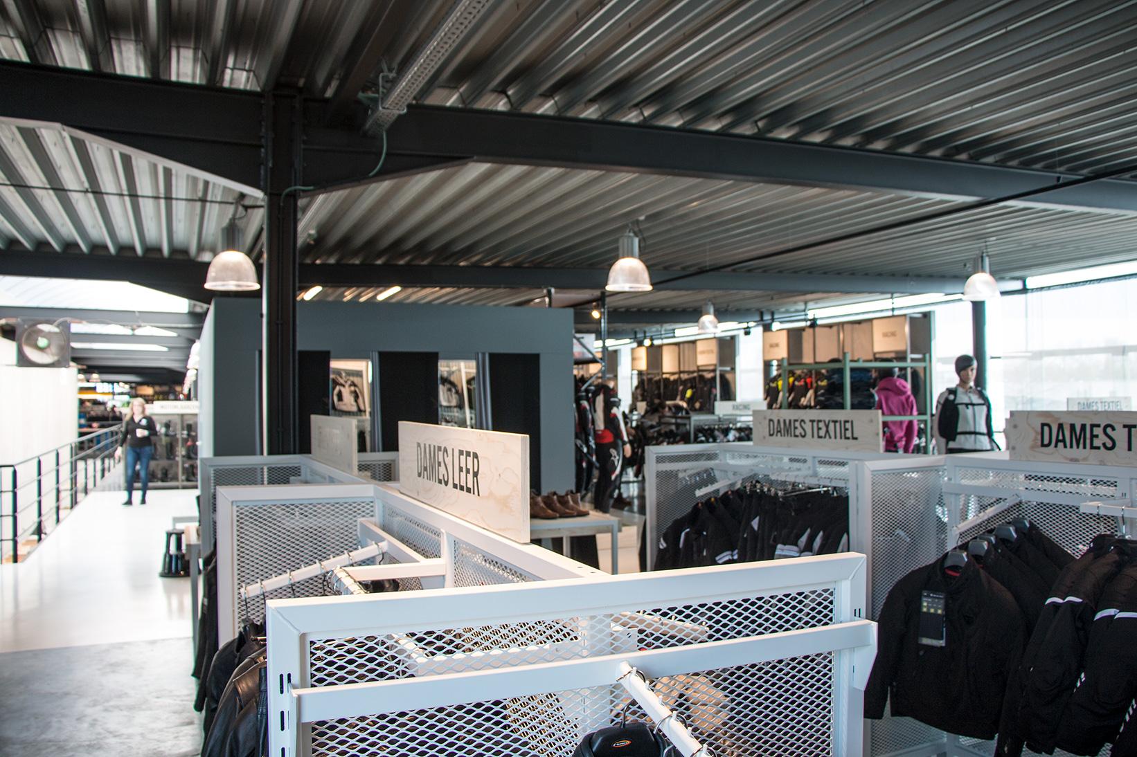 Nog een impressie van Motorkledingcenter Zemst store afbeelding nummer 2