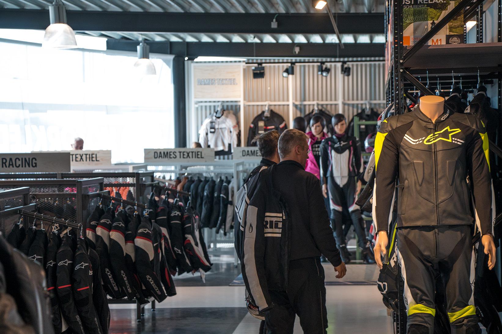 Nog een impressie van Motorkledingcenter Zemst store afbeelding nummer 7