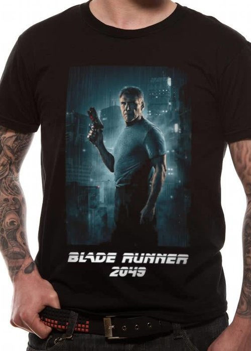 Deckard Full Shot White Logo | Blade Runner 2049 | T-shirt Black