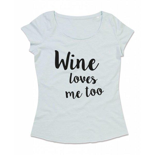 Ladies T-shirt met print: Wine loves me too