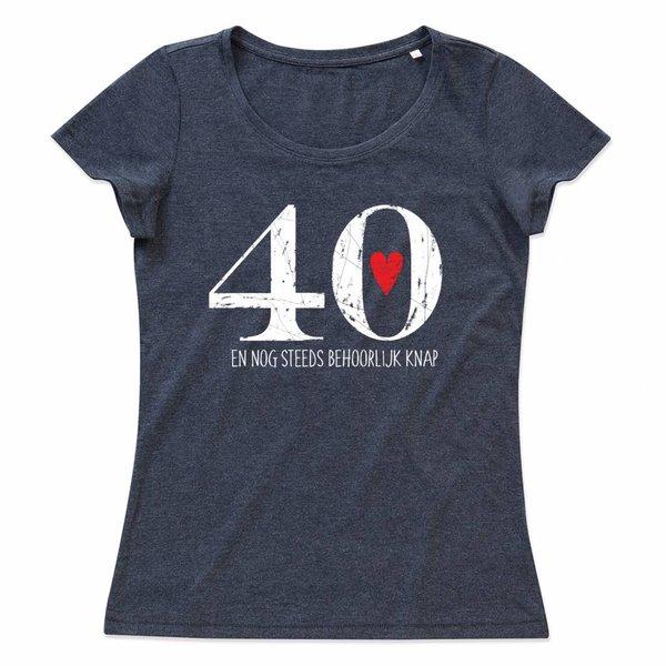 Ladies T-shirt met print: 40 en nog steeds behoorlijk knap