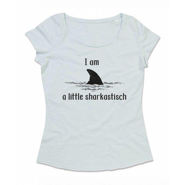 Ladies T-shirt met print: i am a little sharkastisch