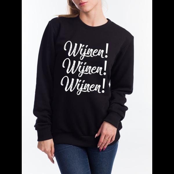 Round neck sweater  met opdruk:  Wijnen! Wijnen! Wijnen!