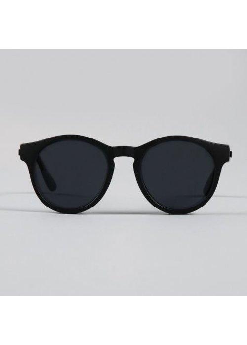 Le Specs Hey Macarena Black