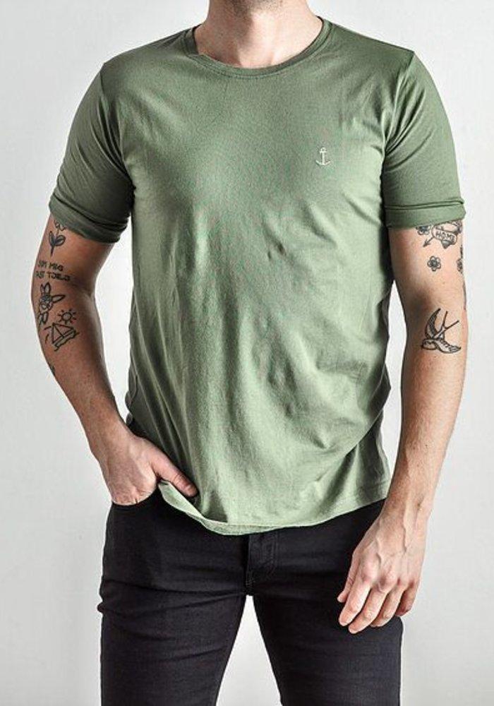 Embo Tee Green