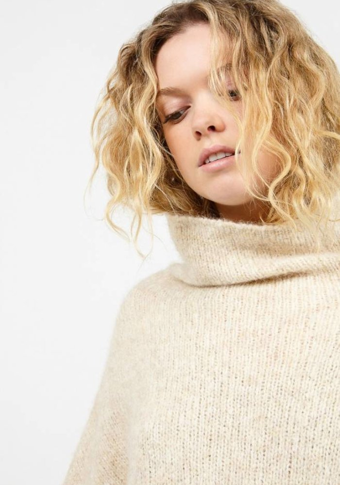 Zapitown Oversized Jumper With Turtle-Neck