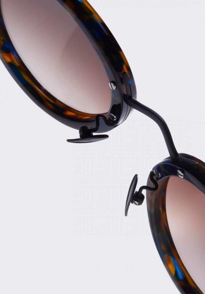 Loren Flame Brown Sunglasses