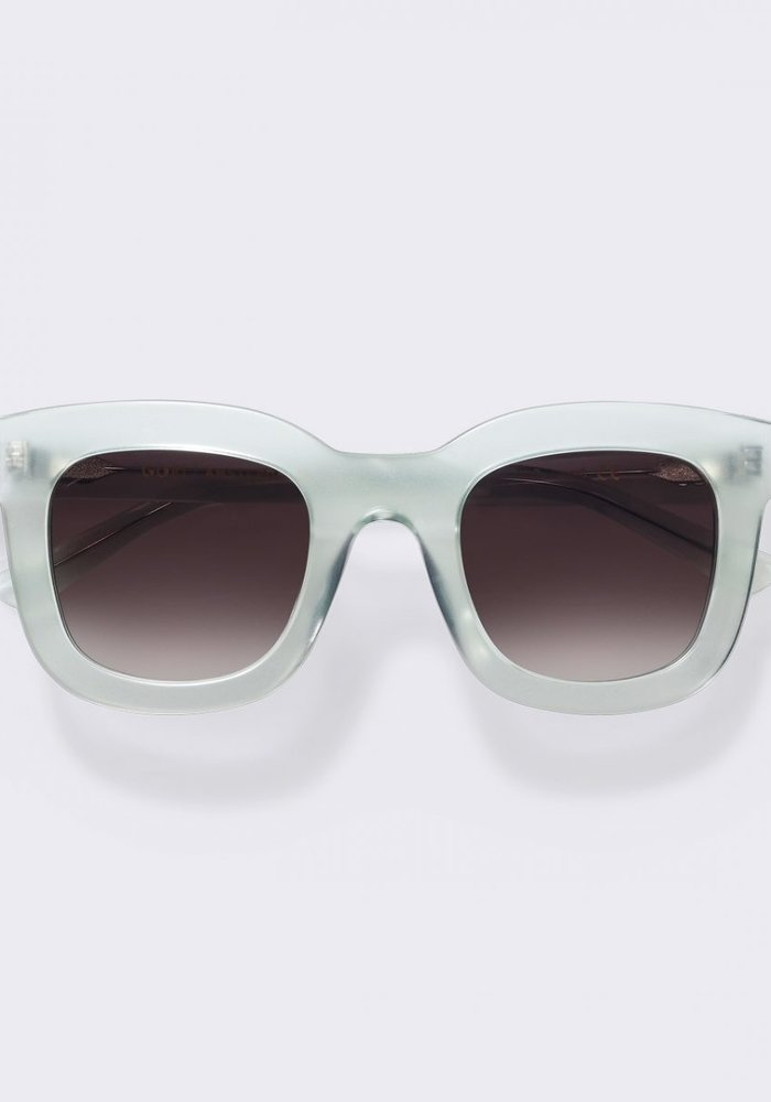 Bela Ice Green Sunglasses