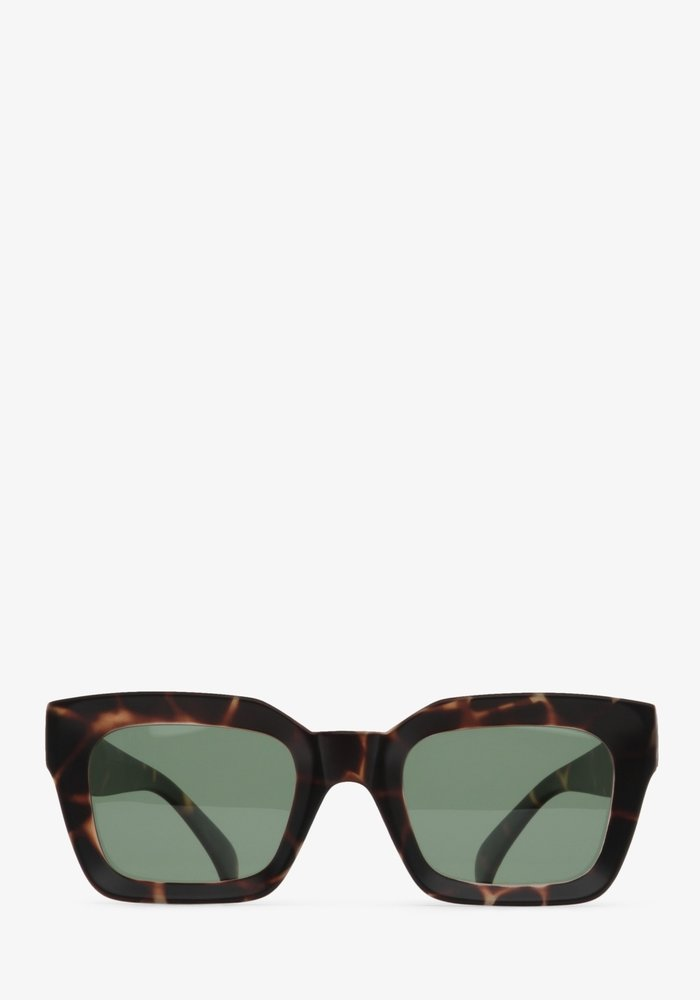 Pia Leopard Frame Polarized Sunglasses