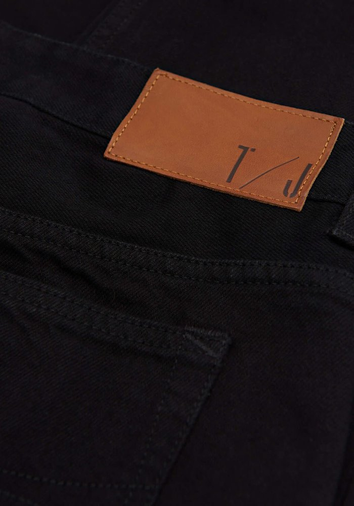 Jud Black Selvedge Boxer Fit Jeans