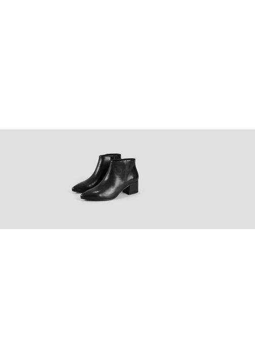 Mya Black Leather Boots