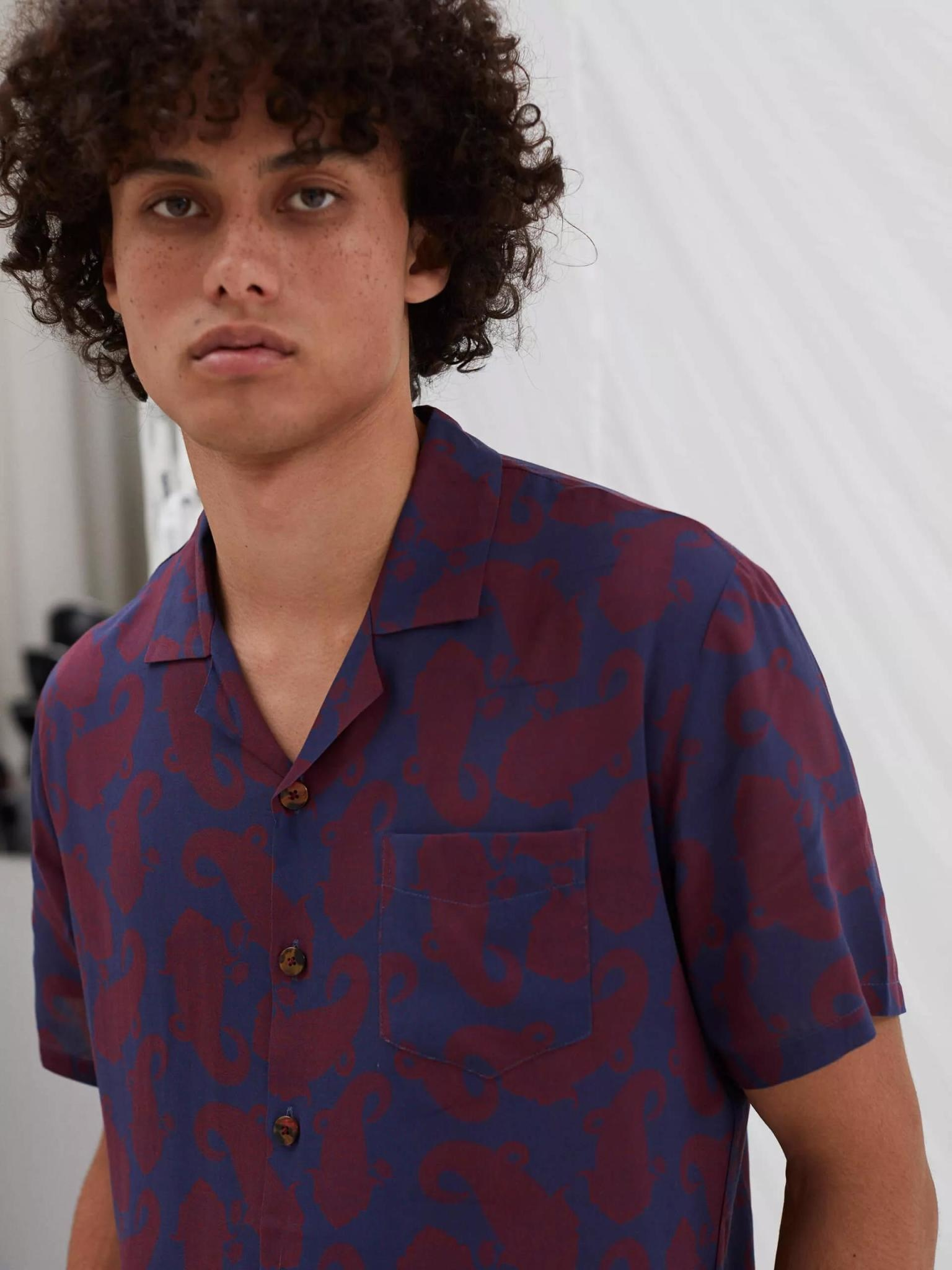 Cave Short Sleeve Wine Paisley Red Shirt-2