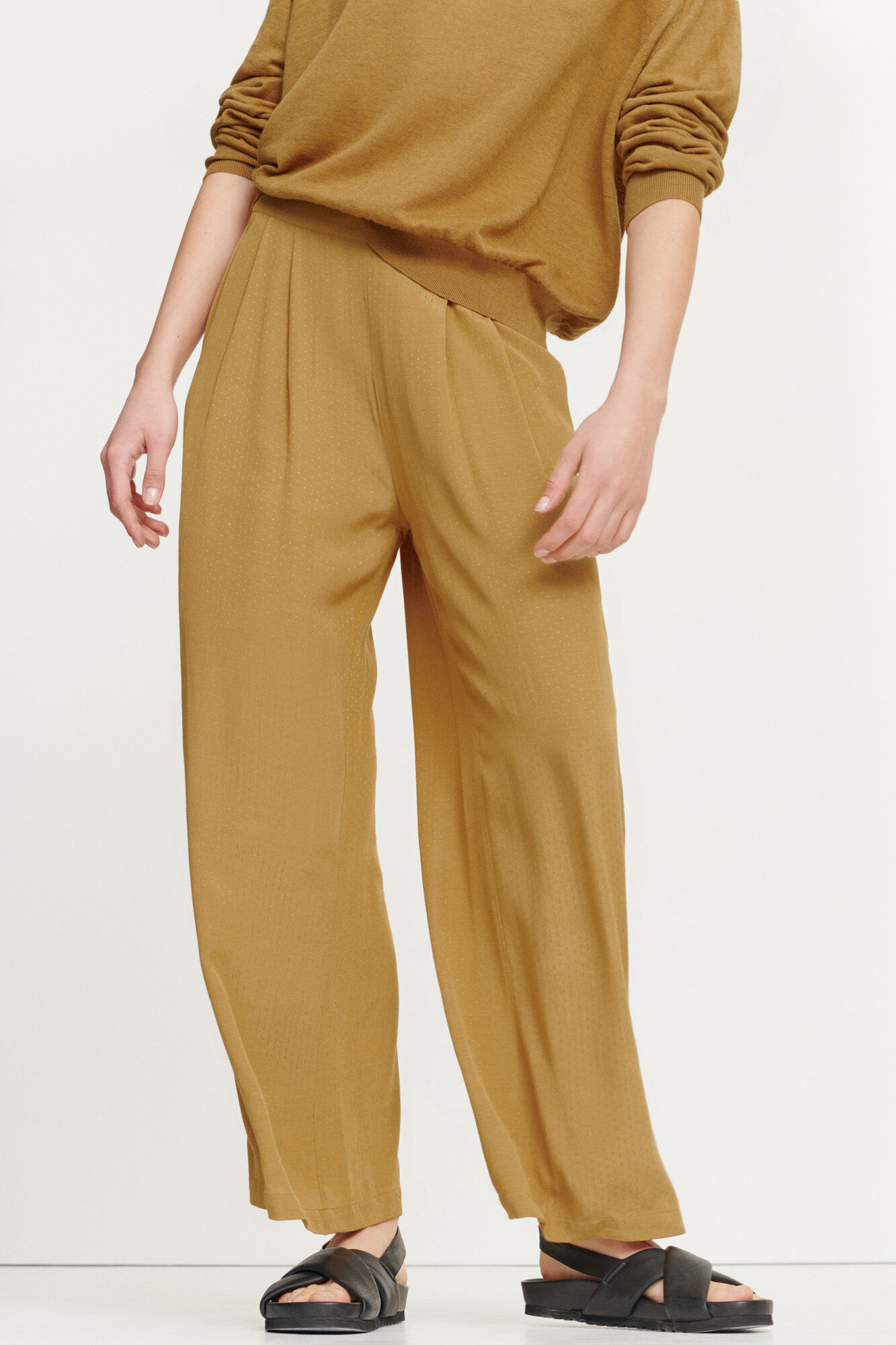 Ganda Loose Trousers Dijon Brown-1