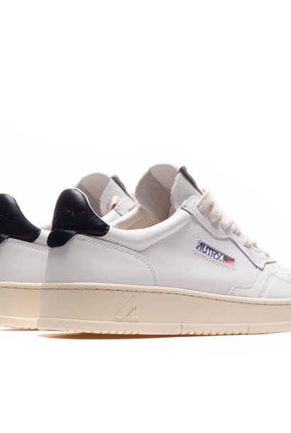Medalist 01 Low White Navy Leather Women