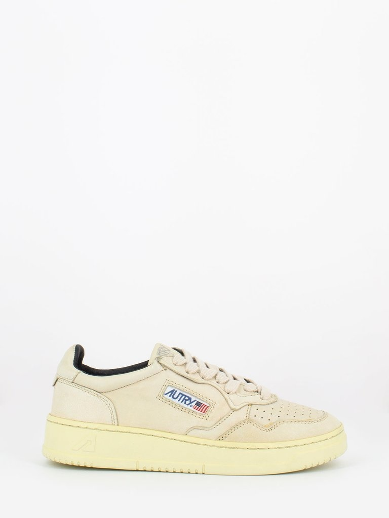 Medalist 01 Low Goat Ivory Leather Women-1