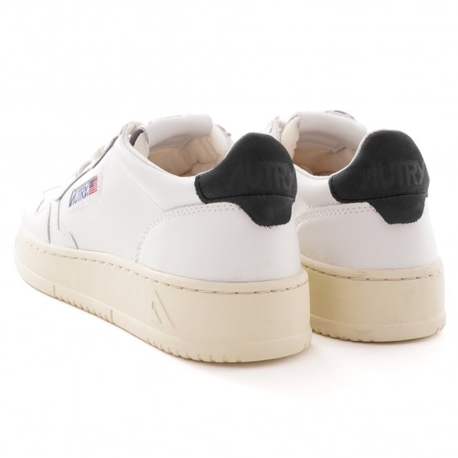 Medalist 01 Low Leather Nubick White Space-2