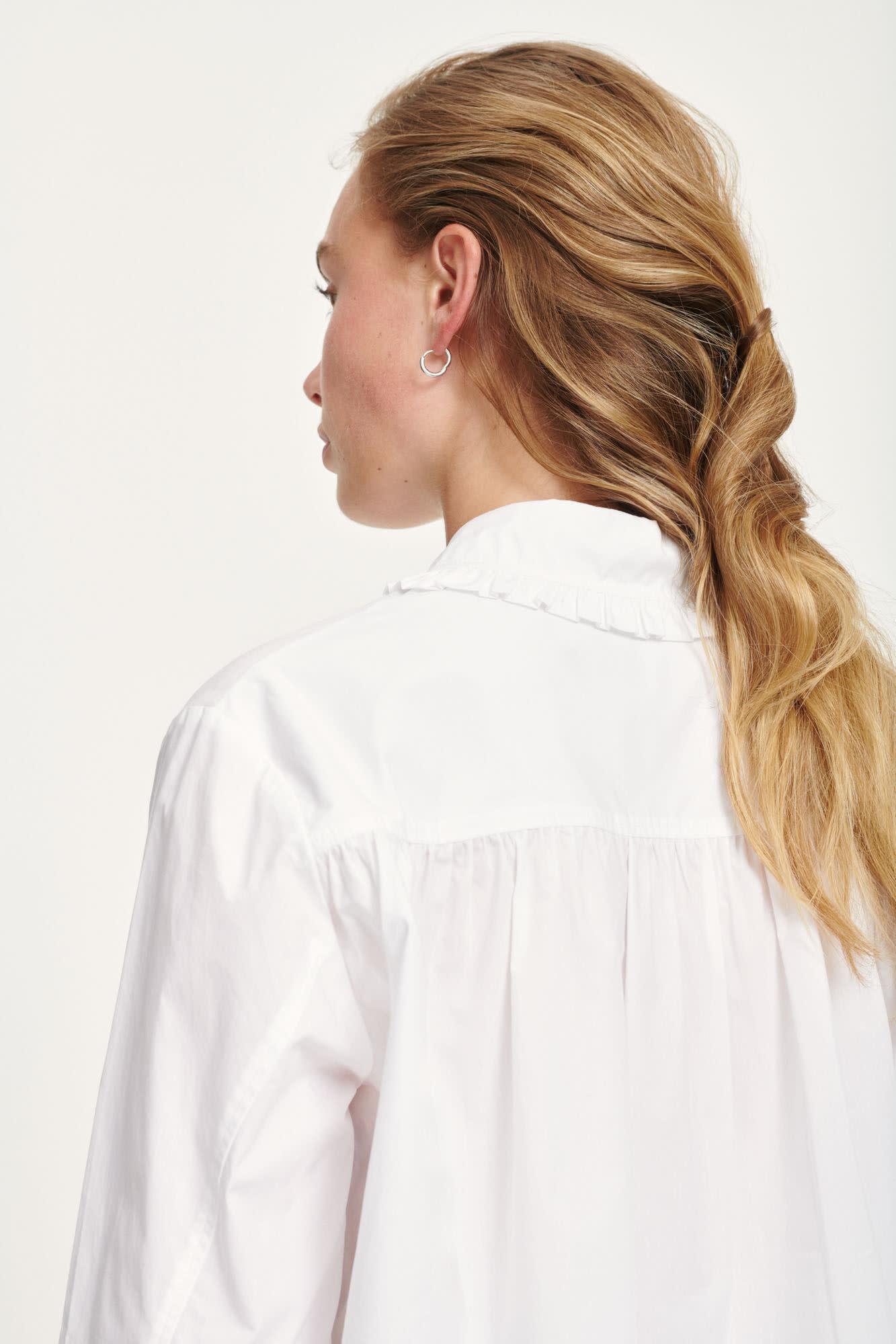 Rita witte katoenen blouse met volants-3