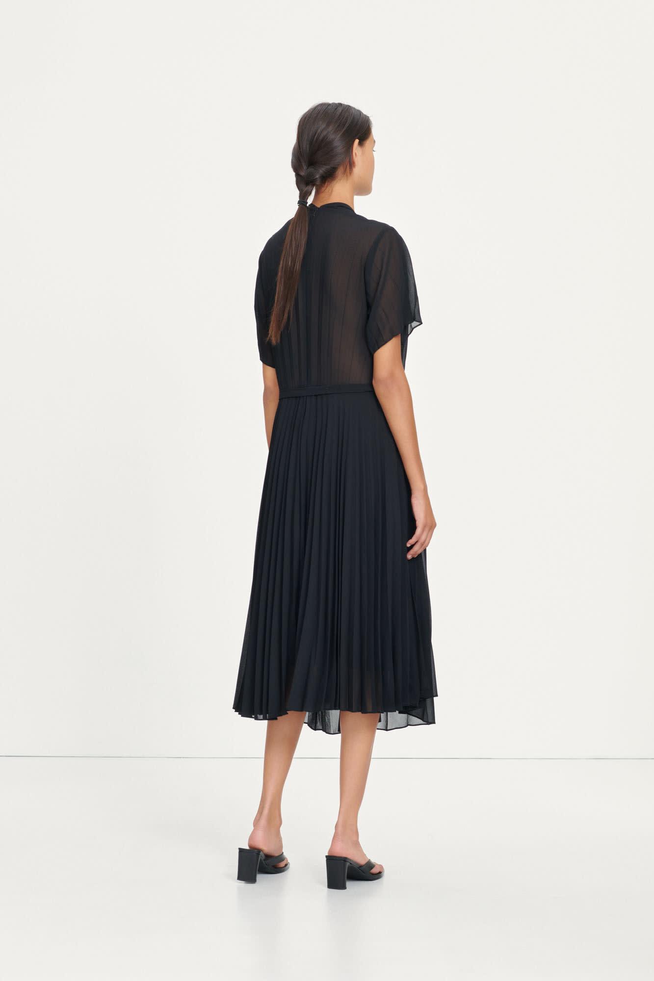 Wala Short Sleeve Pleaded Dress Black-4