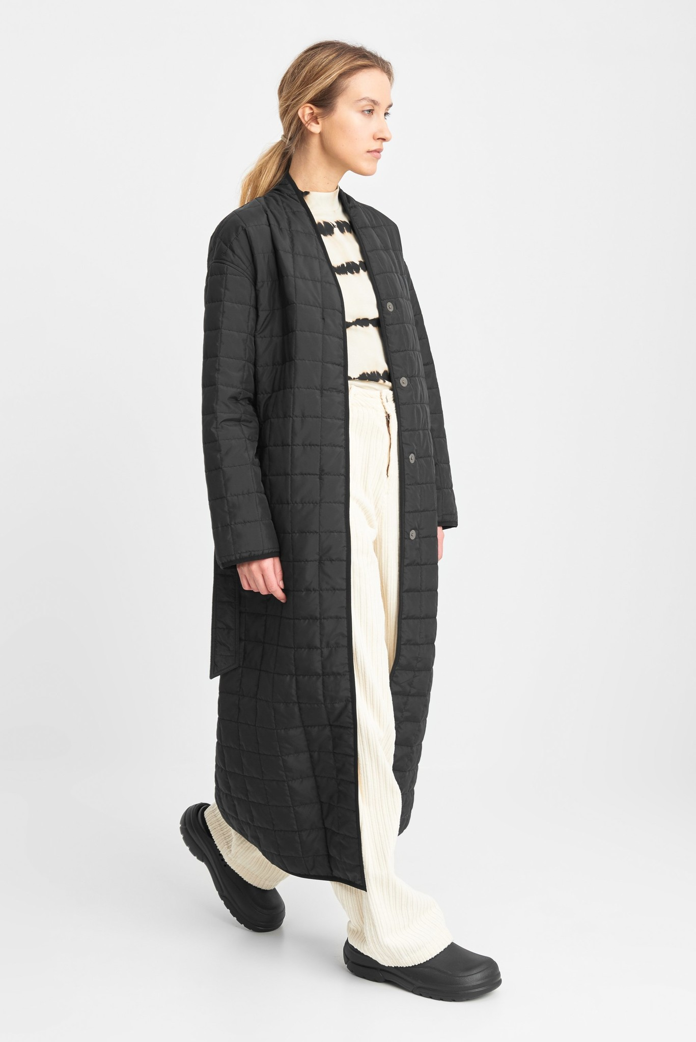 Lila Long Quilted Oversized Coat Black-2